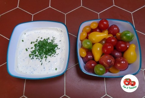 tomate apéro et sa sauce ciboulette