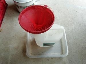 matériel de filtration pour décoction de prêle
